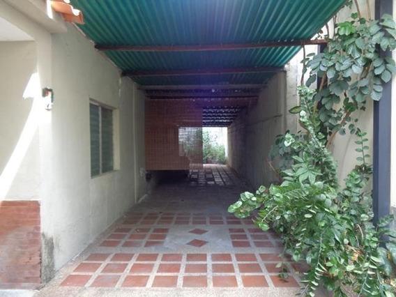 Rah: 19-8136. Local En Venta En Centro