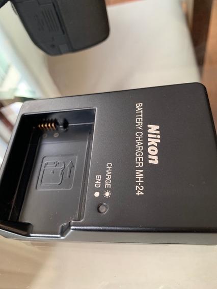 Camera Nikon D5200 + Lente 18-55mm + Case - Perfeita