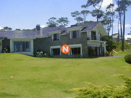 Casa En Venta Y Alquiler, Pinares, Punta Del Este, 5 Dormitorios.- Ref: 205047