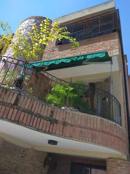 Casa En Venta En Urb. Las Chimeneas Valencia Raq