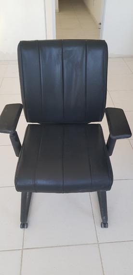 Cadeira Poltrona Executiva Em Coura Para Escritório