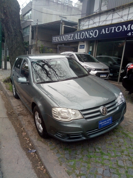Volkswagen Golf 2.0 Advance Mt 2011
