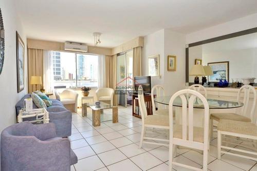 Apartamento En Playa Mansa 2 Dormitorios - Ref: 5105