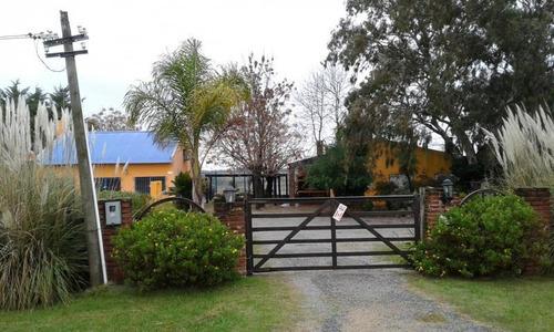 Amplia Casa Con Hermoso Parque.