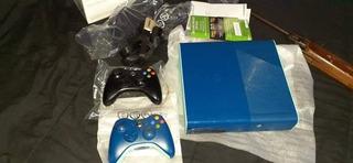 Xbox 360 Slim Edicion Limitada Azul.