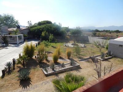 Venta De Rancho En Tequisquiapan, Alberca, Salón Para 100 Personas, 6 Recámaras