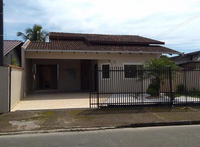 Casa No Iririú Com 3 Quartos Para Locação, 101 M² - Lg1394