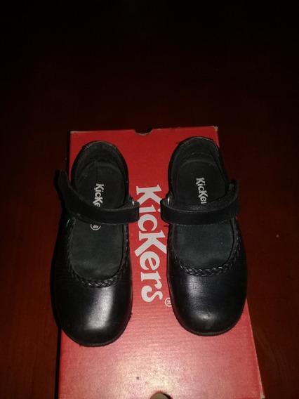 Zapatos Colegiales Kickers Niña