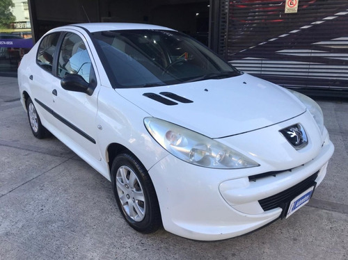 Peugeot 207 Compact Activ Aa+dir 1.4