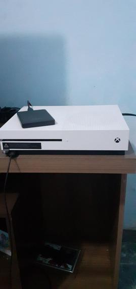 Xbox One S 500gb Com 2 Controles E Acessórios