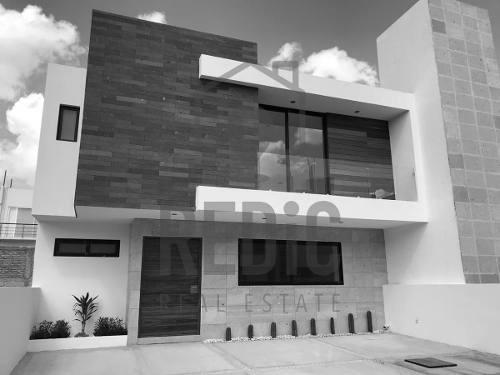 Casa De 3 Hab Y Cuarto De Servicio En Condesa Juriquilla Ln