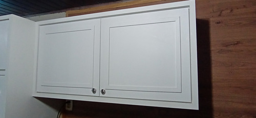 Imagem 1 de 2 de Conserto Móveis Sob Medidas