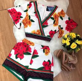 Conjunto Florido Com Blusa E Short