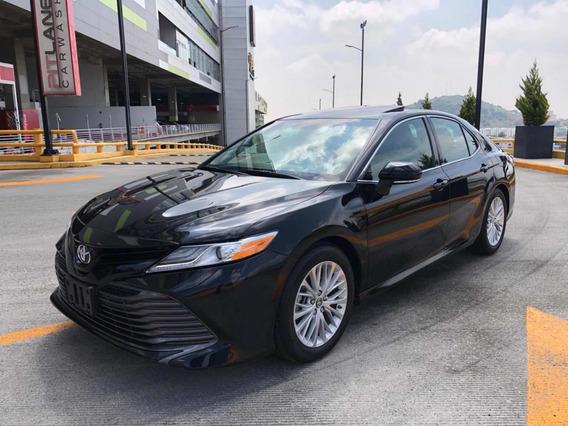 Toyota Camry 2.5 Xle Navegación At 2018