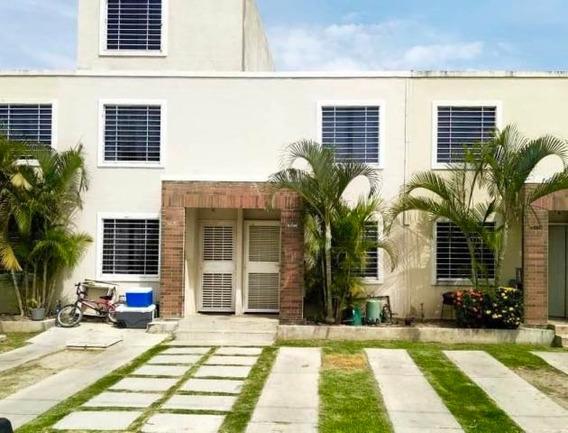 Casa En Venta Ribereña Cabudare 20-3218 Rg