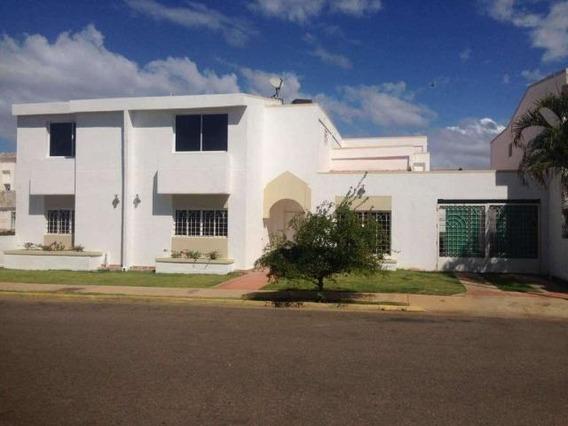 Verónica Ch. Townhouse Venta Av. Fuerzas Armadas Maracaibo