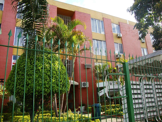 Apartamento Em Navegantes Com 2 Dormitórios - Co11229