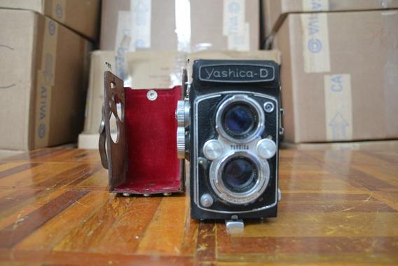 Câmera Yashica D
