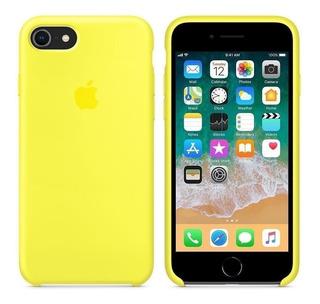 Capinha Aveludada Apple iPhone 5 Se 6 6s 6s 7 8 Plus