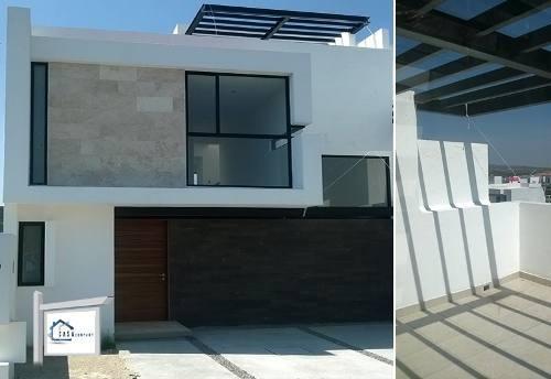 Hermosa Casa En San Isidro Juriquilla, 3 Recámaras, Roof Garden, 3 Niveles, Lujo