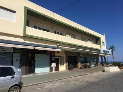 Se Vende Apartamento En El Centro En Piriápolis.