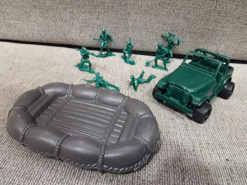 8 Soldados Plasticos Con Jeep Y Gomon Bote Soldaditos Gv70