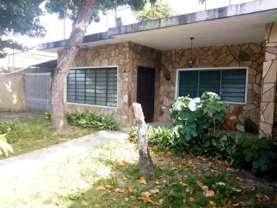 Casa En Venta Urb La Cooperativa Zp 19-12260 (04126789620)
