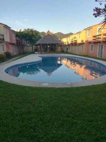 Casa En Condominio En Llano Largo / Acapulco De Juárez - M2ai-134-cd