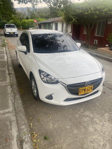 Se Vende Carro Mazda 2 Blanco Todo Al Dia.