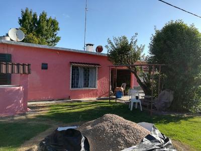 Dos Casas En Un Padron. Totoral Del Sauce
