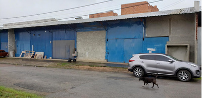 Barracão A 7 Quadras Do Aeroporto Afonso Pena Sjp