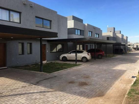 Housing - Casa De Tres Dormitorios, Las Moras - Valle Escondido, Zona Norte -