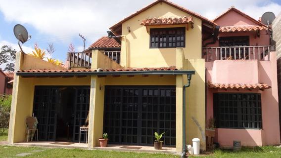 Townhouses En Venta Monteclaro 20-9652 Rah Samanes