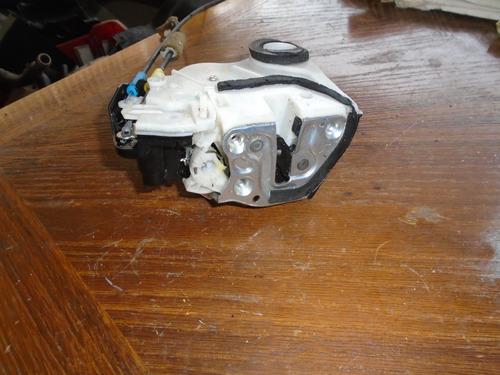 Vendo Cerradura Trasera Derecha  De Toyota Corolla Año 2012