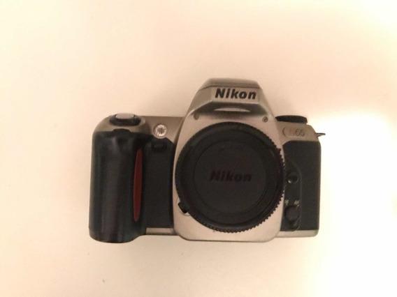 Câmera Nikon Analógica Com Foco Automático