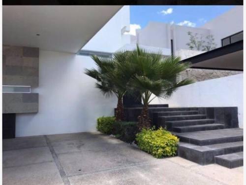 Casa Sola En Venta Juriquilla Privada La Rica Queretaro