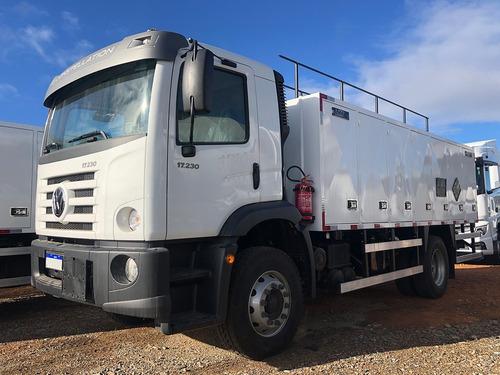 Imagem 1 de 11 de Caminhão Comboio Abastecedor 6000 L Vw 17.230 Constellation