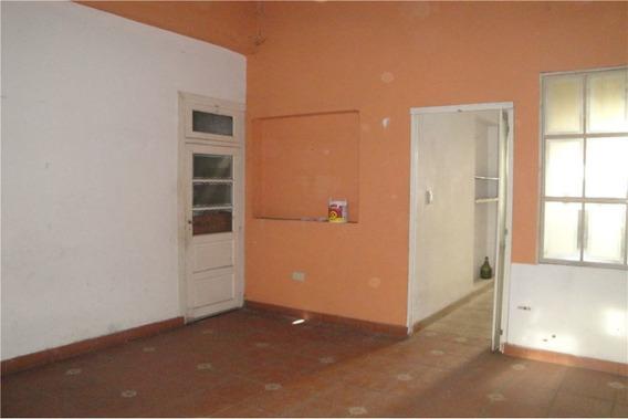 Casa S/lote De 7,8x20 C/garage Y Fondo,avellaneda