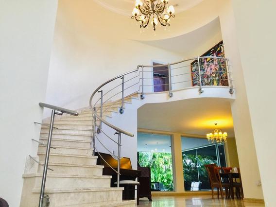Espectacular Casa En Urbanización San Miguel