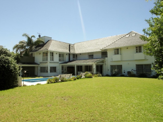 Impecable Casa 700m2 Cubiertos. Barrancas De Quilmes