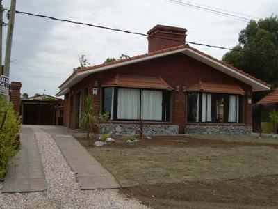 Alquiler Casas En Piriapolis, 150 Mt De La Playa, Portales