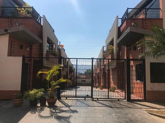 Townhouse En Venta Valencia Con Pozo De Agua Planta Electric
