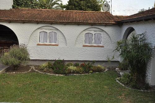 Quinta  Venta  8 Dormitorios, 3 Baños Y Piscina-lote 20 X 30 Mts - Arturo Segui