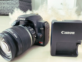 Cámara Semi-profesional Canon Eos Rebel Xs