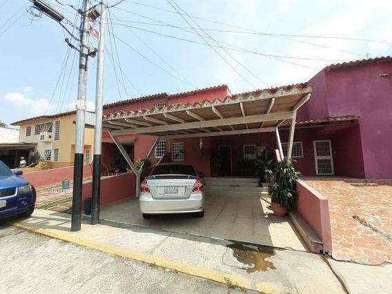 Casa En Venta La Mora Cabudare 21-5291 Mf