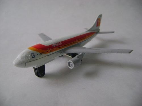 Imagen 1 de 10 de Nico Avion Metal A300b Airbus 10 X 9 Cm (avv 42)
