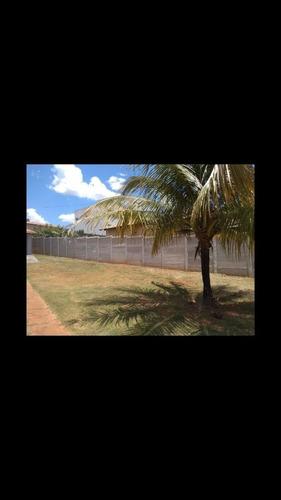 Imagem 1 de 5 de Muro Pré Moldado/pré Fabricado De Concreto