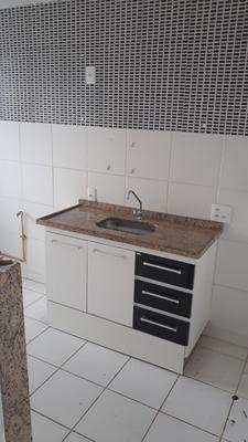 Apartamento De 2 Quartos Em Condomínio Fechado