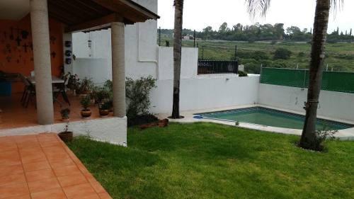 Preciosa Casa Con Alberca Propia En Real De Juriquilla, Hermoso Jardín, T.365m2