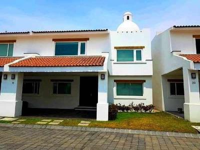 Casa En Venta En Residencia Marbella Lerma